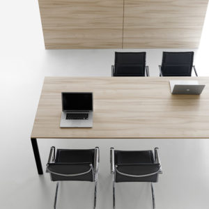 OVAL cm 250x125 € 271,00+IVA • Office & More