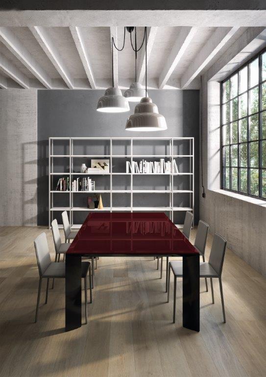 tavolo riunioni in vetro e in legno