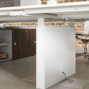 ESSENCE scrivania elettrificata per ufficio