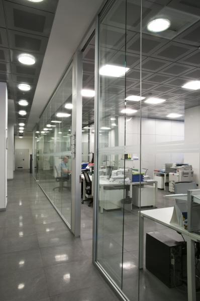parete in vetro ufficio divisoria