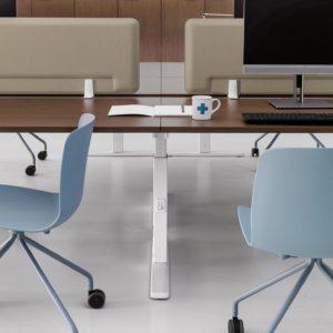 scrivania regolabile in altezza