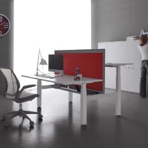 scrivania regolabile in altezza elettrica