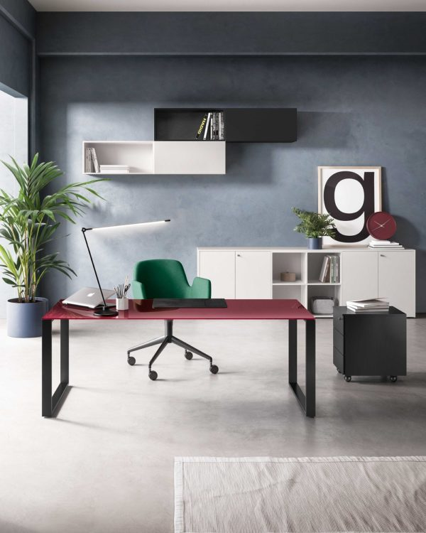 scrivania colorata ufficio in vetro