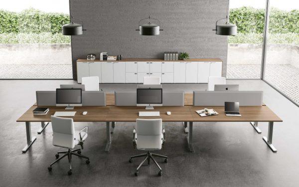 scrivania per ufficio gamba in metallo piano in legno