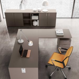 scrivania ufficio in legno