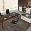 ufficio direzionale in legno e in vetro